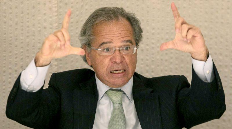 Paulo Guedes ofende funcionalismo e nos compara com parasitas. Repudiamos veementemente!