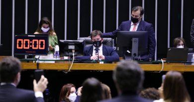 Renovação do Fundeb | Câmara aprova PEC com 23% de participação da União até 2026